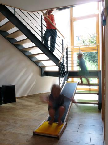 rutsche indoor granitplatten innenbereich. Black Bedroom Furniture Sets. Home Design Ideas